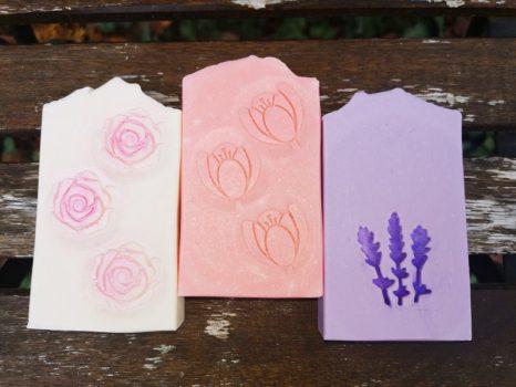 Virágos egyedi szappanok