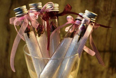 Esküvői köszönetajándék - fürdősó rózsával